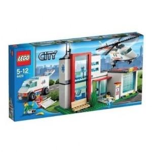 Lego Helicopter rescue base