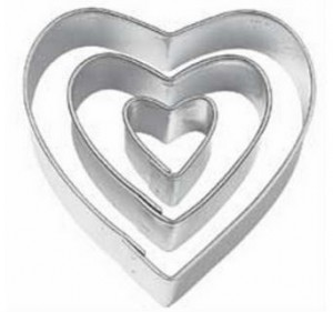heart shaped cookie cutters 300x281 Heart shaped Cookie Cutters, Set of 3 for $1.59 Shipped!