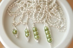 sweet peas necklace