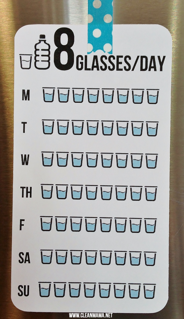 8 glasses a day printable by Clean mama
