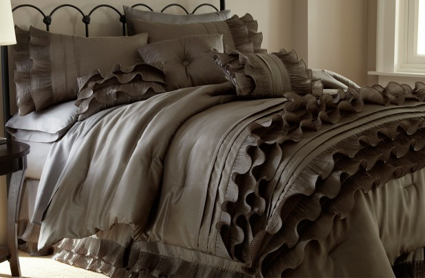 8 piece comforter set GORGEOUS 8 Piece Comforter Sets for $78.98 Shipped! *8 Styles, King or Queen*