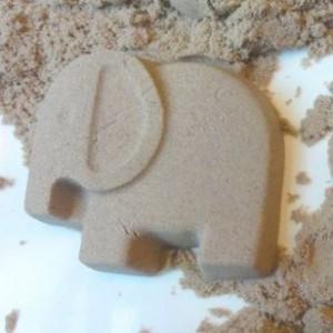 kinetic sand 300x300 Kinetic Sand $15 (Reg. 25.95)