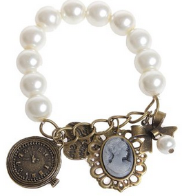 Classic vintage pearl bracelet with charms