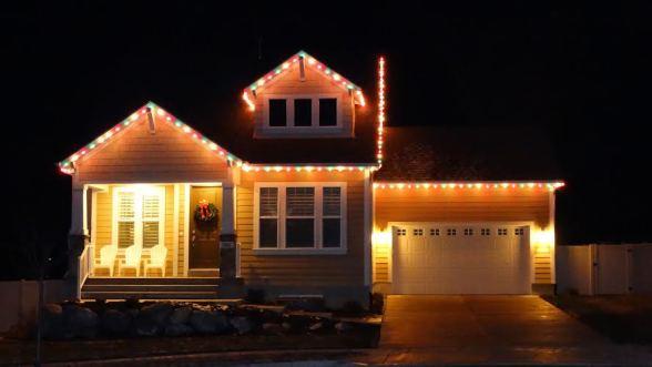 Christmas Lights House E1416262684944