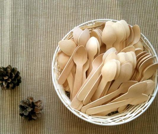 mini wooden spoons