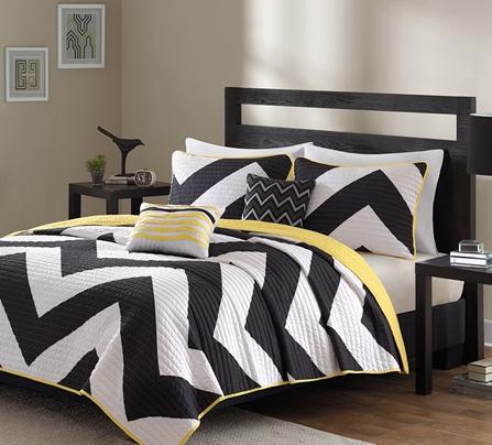 Chevron Coverlet and Decorative Pillow Set