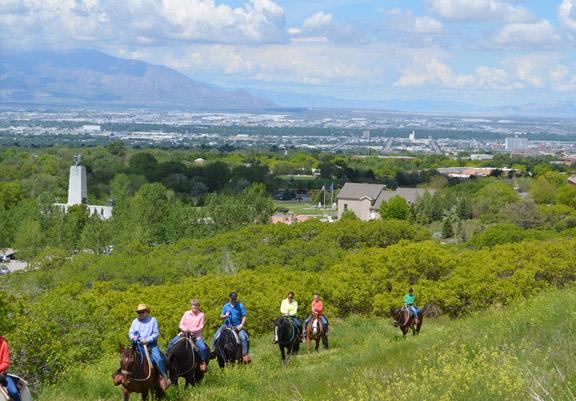 western-trail-rides-horseback-rides-monument