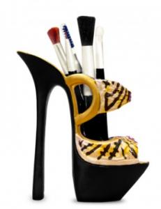 shoe makeup holder