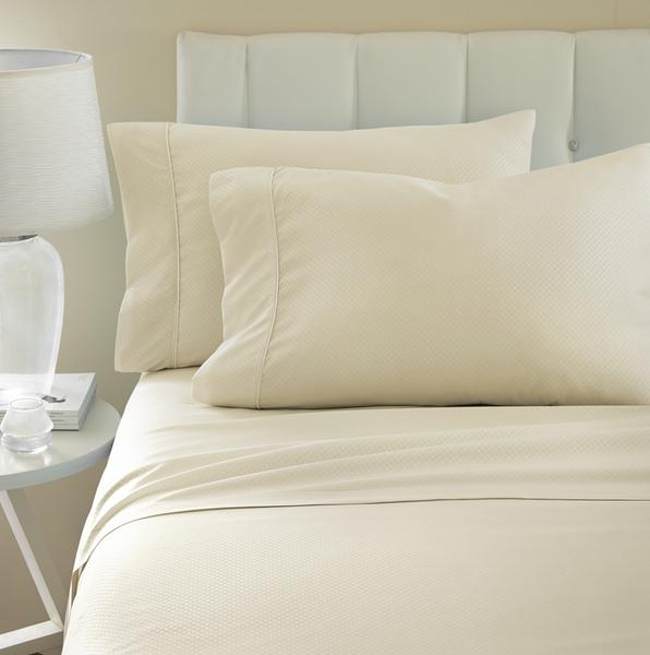 becky-cameron-4-piece-checkered-bed-sheet-set