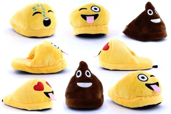 kids-emoji-slippers