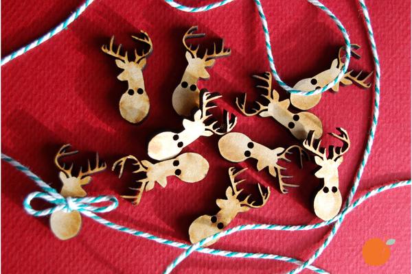 set-of-ten-reindeer-head-buttons