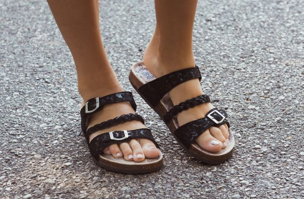 MUK LUKS Bonnie Women's ... Sandals 0ZGCdEhJi
